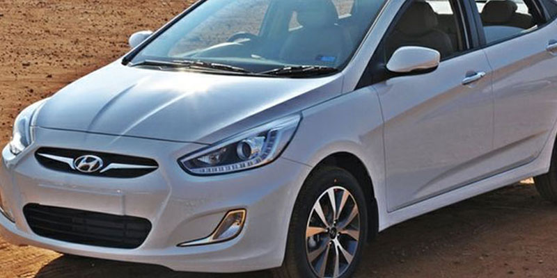 AC Hyundai Verna (4 + 1Driver)