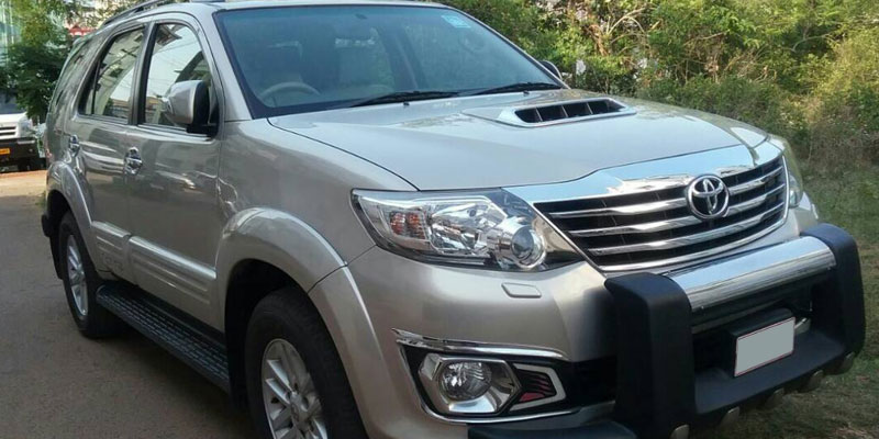 AC Toyota Fortuner (7+1 Driver)
