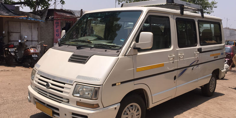 9-seater-tata-winger-1